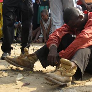CAMEROUN :: Mefou et Afamba : Un pickpocket tabassé :: CAMEROON
